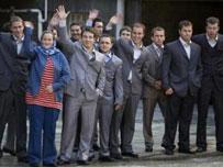 نظامیان بازداشت شده انگلیسی در حال خداحافظی از ایران